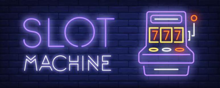 Store bokstaver farget og symbol av en liten spilleautomat